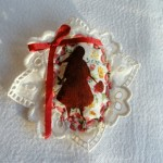 broche-chaperon-rouge